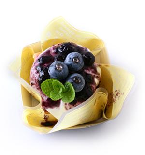 ベイクドレアチーズケーキ(ブルーベリーソース).jpg
